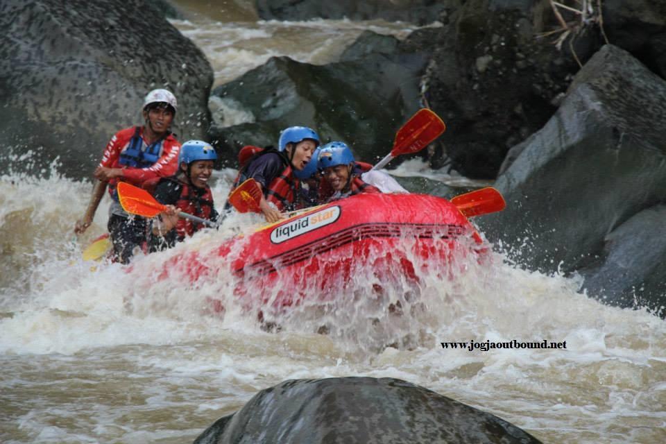 Rafting Progo Atas Sungai Magelang Berada Satu Kabupaten Tetapi Berbeda