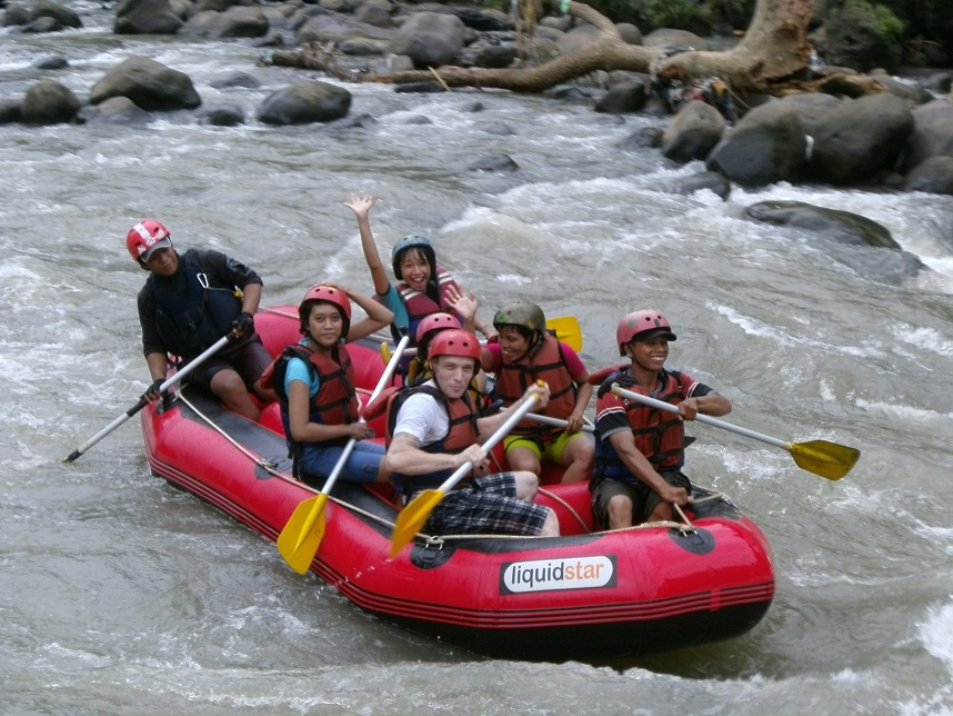 Rafting Progo Bawah Arung Jeram Magelang Jogja Paket Sungai Elo