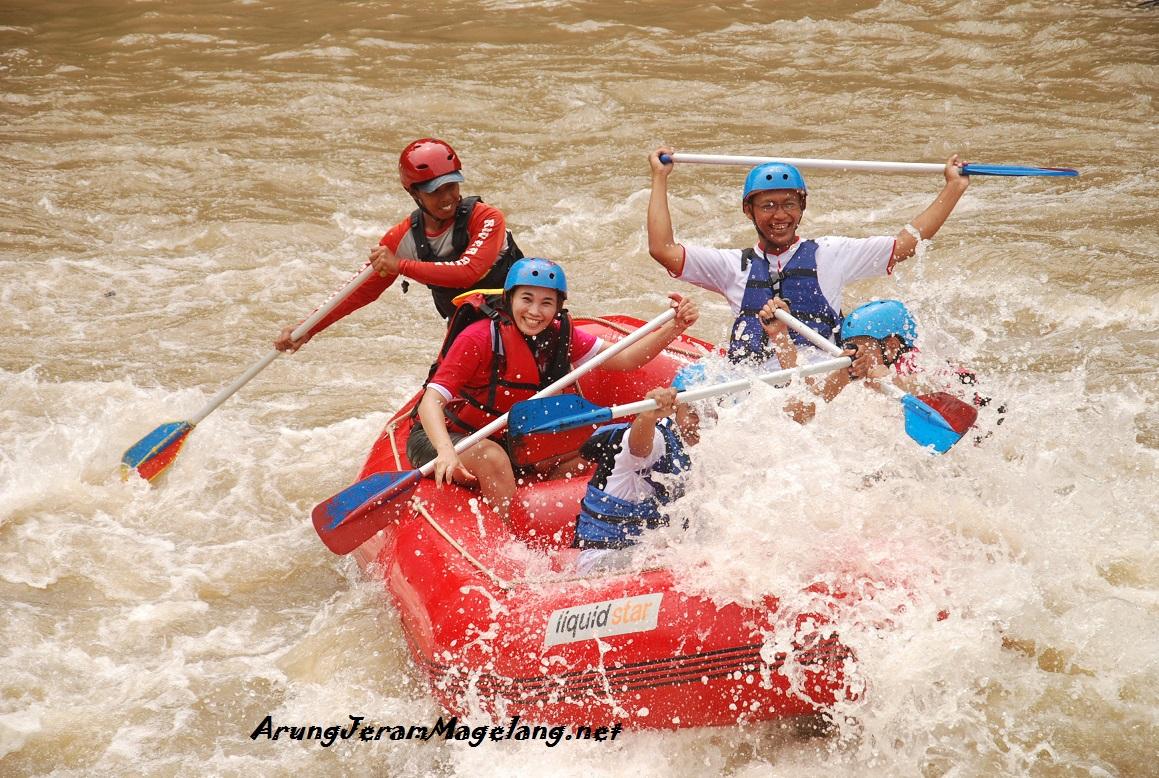 Rafting Progo Hulu Arung Jeram Magelang Jogja Paket Sungai Terpanjang
