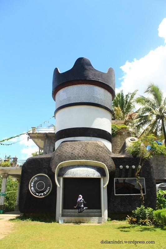 Camera House Borobudur Art Gallery Journey Rumah Kamera Tampak Depan