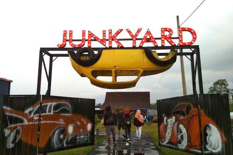 Junkyard Auto Park Destinasi Hits Magelang Mobil Rongsokan Nirfaedah Pun