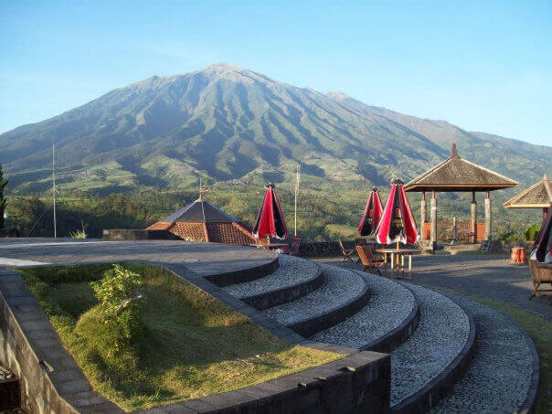 Pesona 13 Tempat Wisata Budaya Sejarah Kabupaten Magelang Ketep Pass