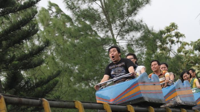 Breaking News Jet Coaster Taman Kyai Langgeng Magelang Anjlok Kiai