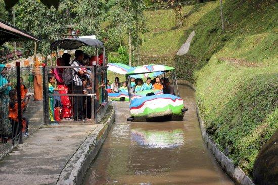 Wahana Kereta Air Taman Kyai Langgeng Kota Magelang Picture Park