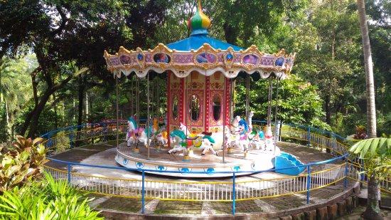 Wahana Komidi Putar Taman Kyai Langgeng Kota Magelang Picture Park
