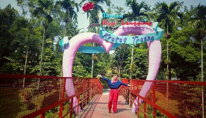 Wisata Magelang Katakan Cinta Istimewa Traveling Yuk Taman Kiai Langgeng