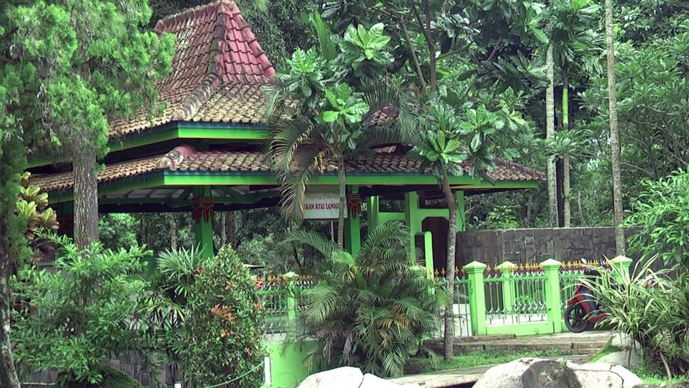 Wisata Religius Taman Kyai Langgeng Makam Kota Magelang Kiai Kab