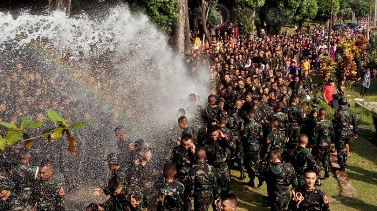 Sorotmagelang Media Berita Online Magelang Serunya Tradisi Pesta Air Bagi