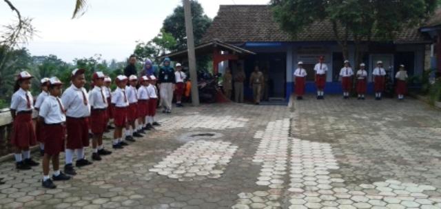 Daerah Terpencil Magetan Anak Desa Poncol Penasaran Bentuk Suasana Upacara