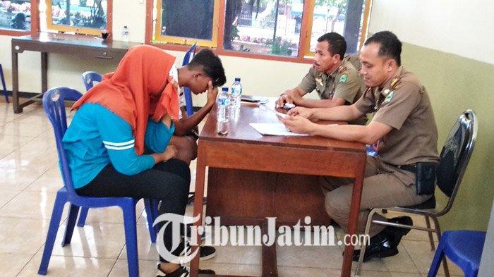 Mesum Alun Magetan Didepan Tiga Sejoli Pelajar Ditangkap Satpol Pp