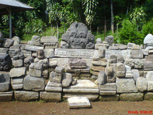 Soendoel Blog Candi Sadon Magetan Kabupaten Diadakan Penataan Kembali Batu