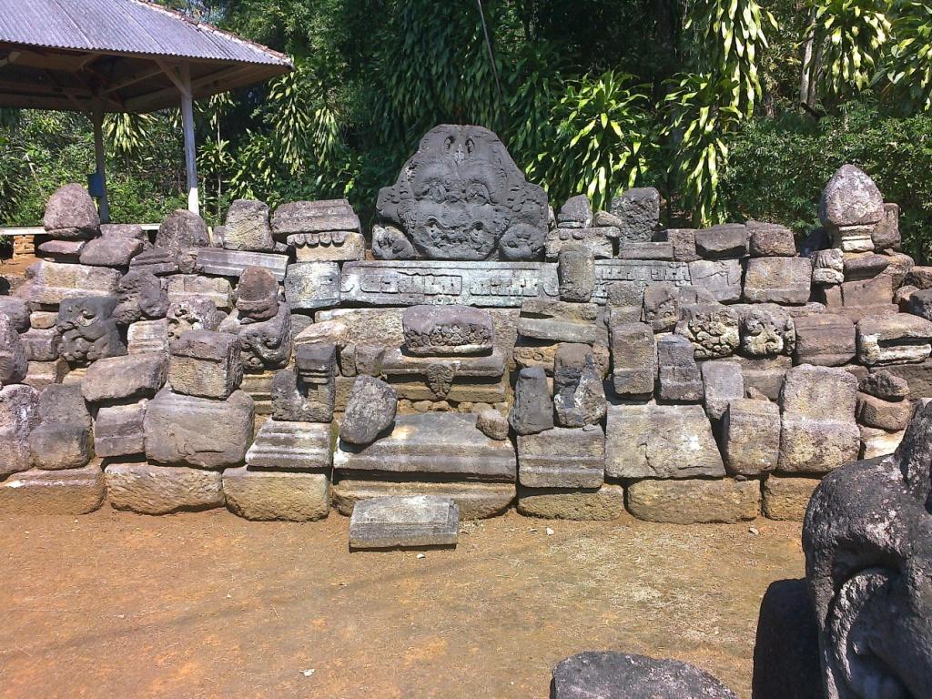 Warna Warni Magetan Metamorphosa Mengunjungi Candi Sadon Terletak Desa Cepoko