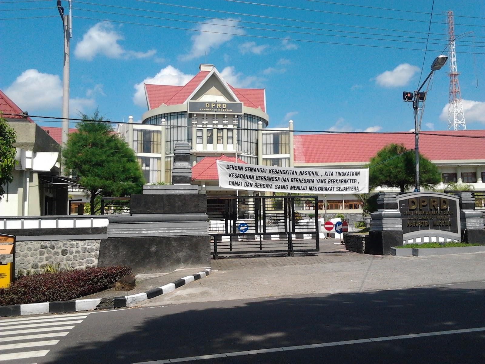 Gedung Dpr Kabupaten Magetan Kolam Renang Tirta Naga Sari Kab