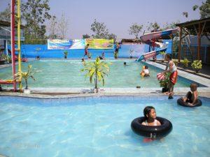 Obyek Wisata Kolam Renang Tirta Pandawa Situbondo Fasilitas Naga Sari