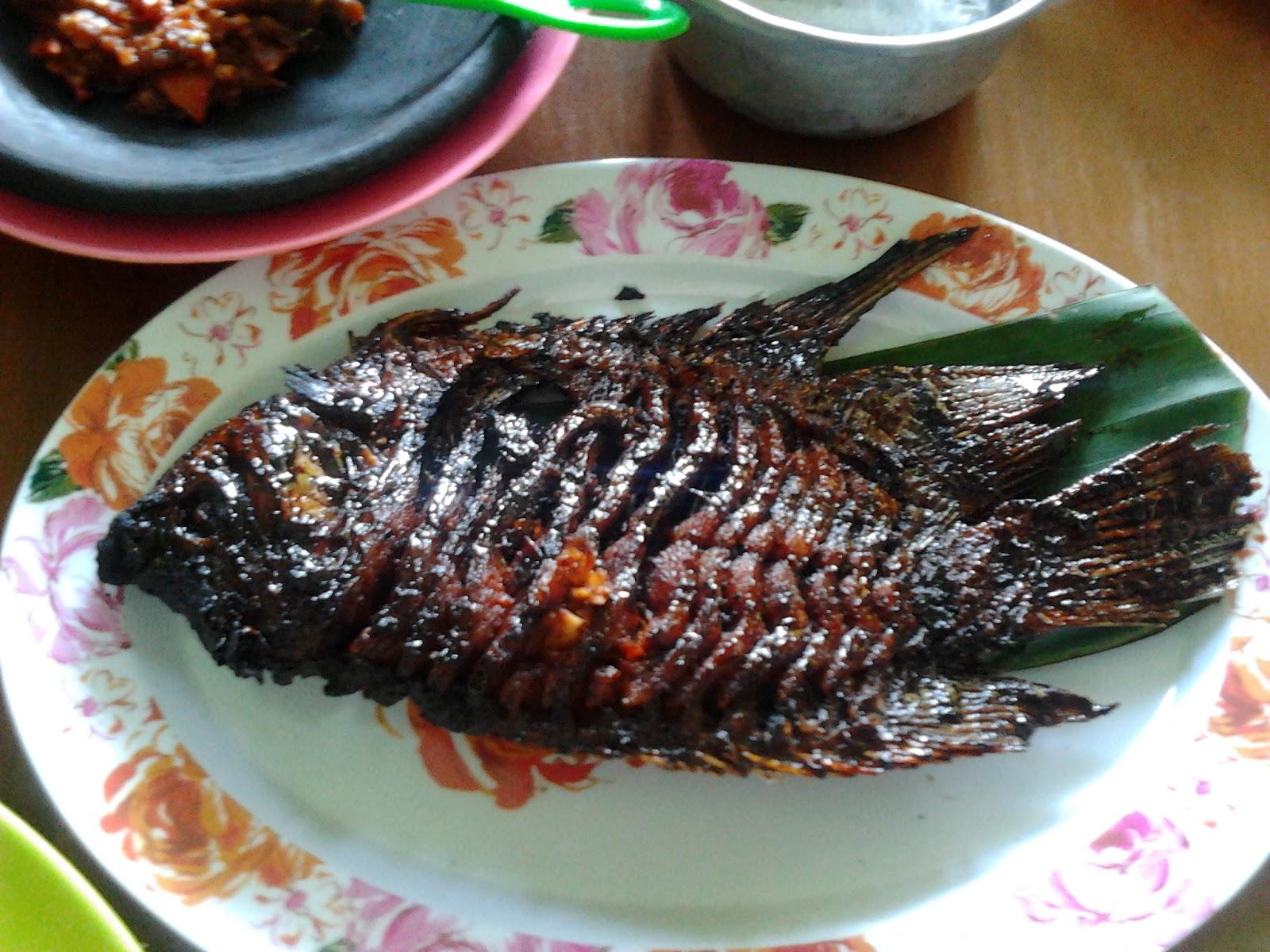 Rumah Makan Suminar Magetan Kolam Renang Tirta Naga Sari Kab