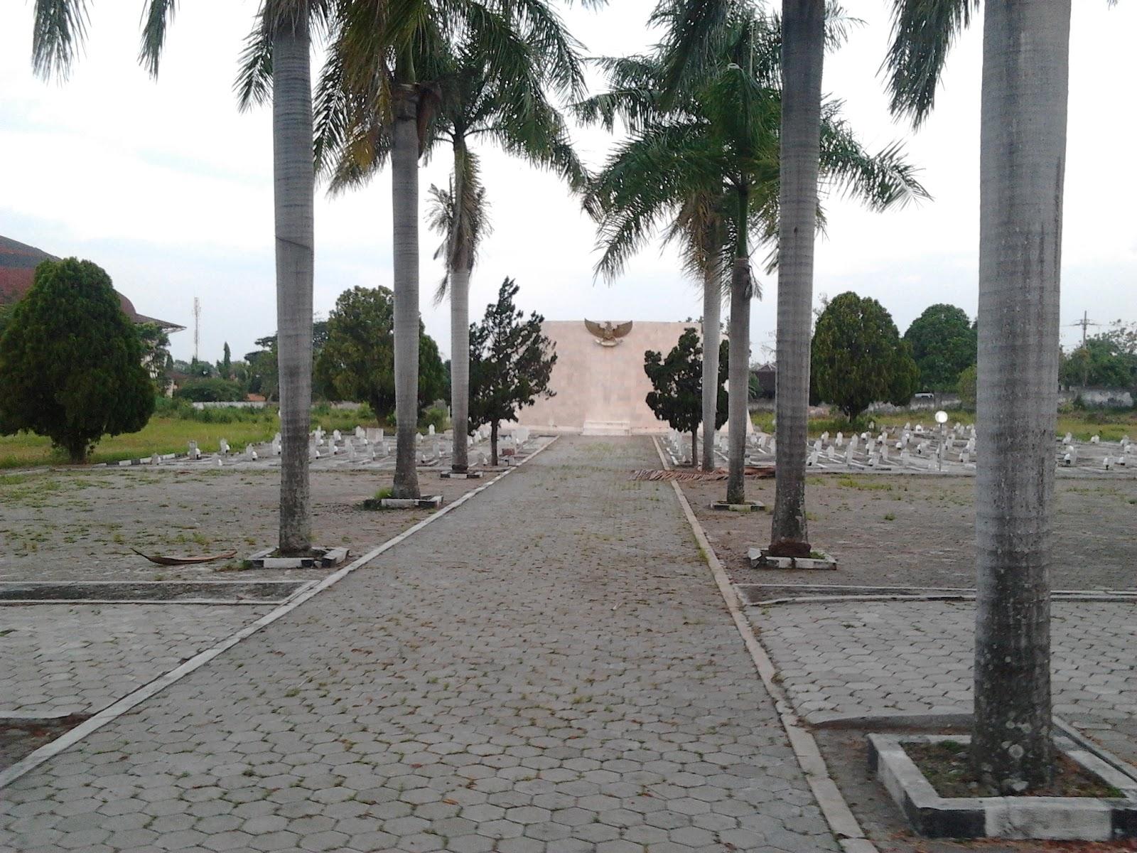 Taman Makam Pahlawan Yudhonegoro Magetan Lebih 144 Dikuburkan Termasuk Korban