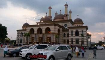 Pose Porno Masjid Agung Magetan Yuli Perez Diciduk Polisi Al