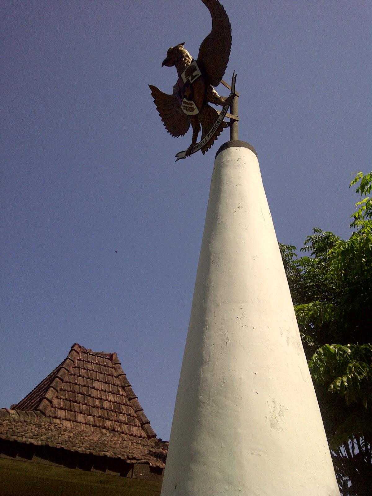 Agustus 2012 Id Damn Lepi Monumen Soco Mengenang Pahlawan Korban