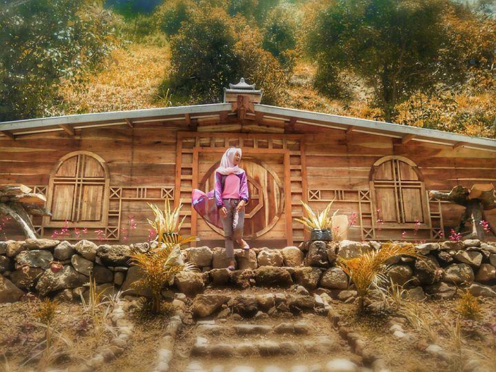 Destinasi Wisata Rumah Hobbit Wonomulyo Magetan Kab