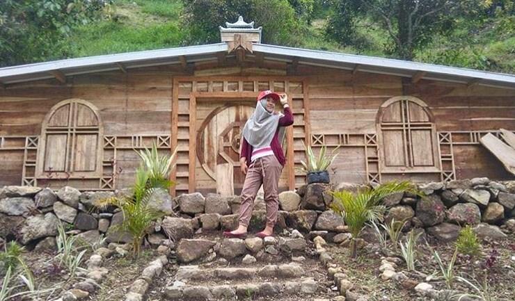 Destinasi Wisata Rumah Hobbit Wonomulyo Magetan Lokasi Kab