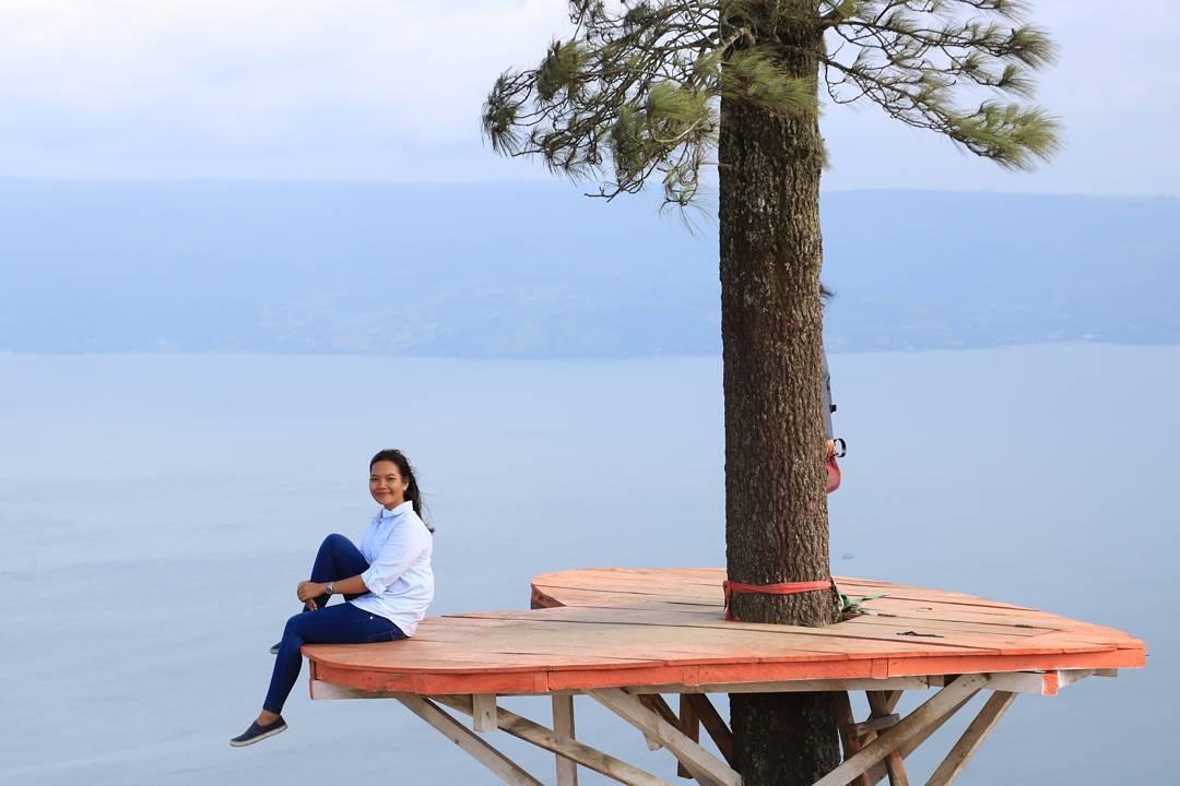 Piknikyok Rumah Pohon Bukit Indah Simarjarunjung Hobbit Wonomulyo Kab Magetan