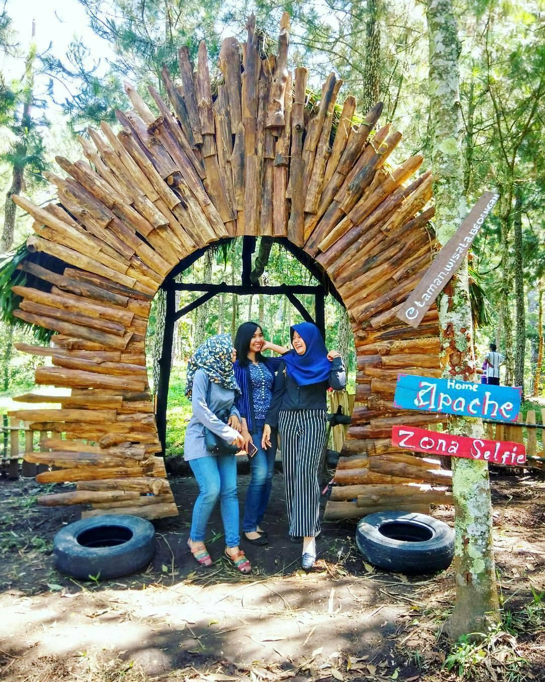 Rute Lokasi Taman Wisata Genilangit Poncol Magetan Rumah Hobbit Wonomulyo