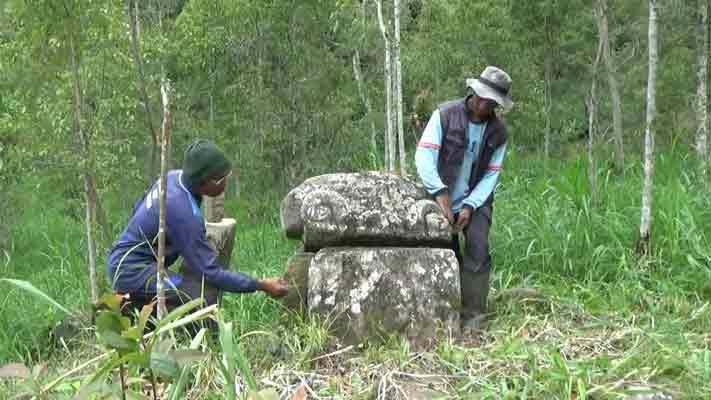 Warga Temukan Situs Arca Hutan Wonomulyo Pojok Pitu Rumah Hobbit