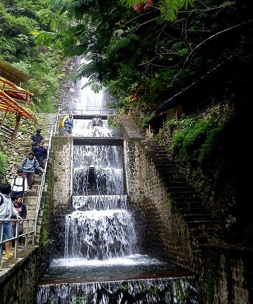 Tempat Wisata Magetan Indah Air Terjun Tirtosari Taman Ria Maospati