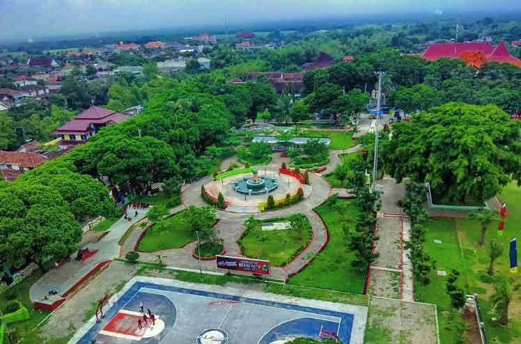 Tempat Wisata Magetan Terbaru 2018 Indah Murah Meriah Alun Taman