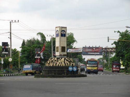 Wisata Maospati Kecamatan Dilintasi Jalan Raya Utama Lintas Selatan Pulau