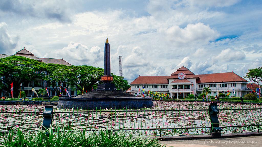 10 Tempat Wisata Malang Membuat Perasaanmu Jadi Senang Featured Image