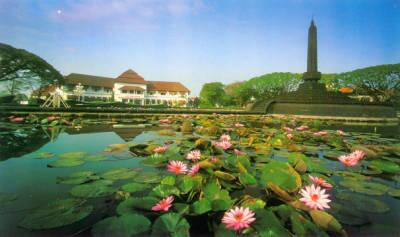 10 Tujuan Wisata Kota Malang Beritau Net Alun Tugu Balai