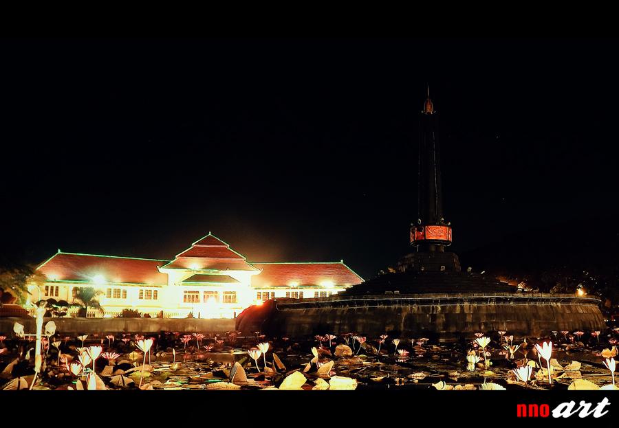 Alun Tugu Kota Malang Wisata Ikonik Jantung Nnoart Suasana Malam