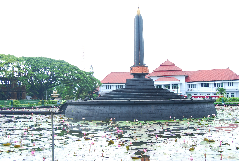 Balai Kota Tugu Malang Pinterest Alun Kab