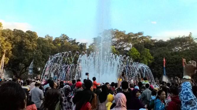 Gita Wisata Bromo Malang Karimun Jawa Taman Bermartabat Alun Timur