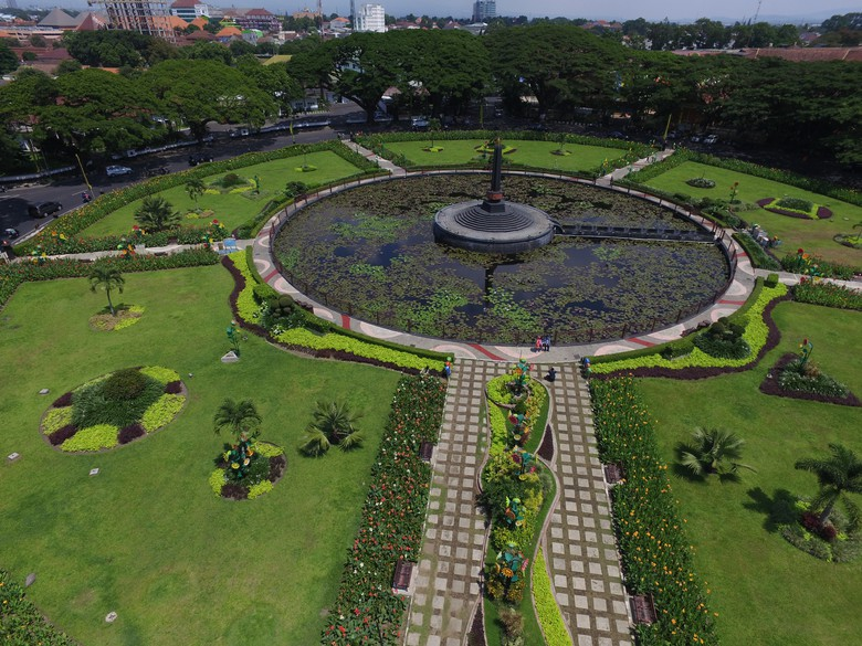 Terbaik Nasional 2015 Malang Penampakannya Ketinggian Taman Alun Tugu Balai