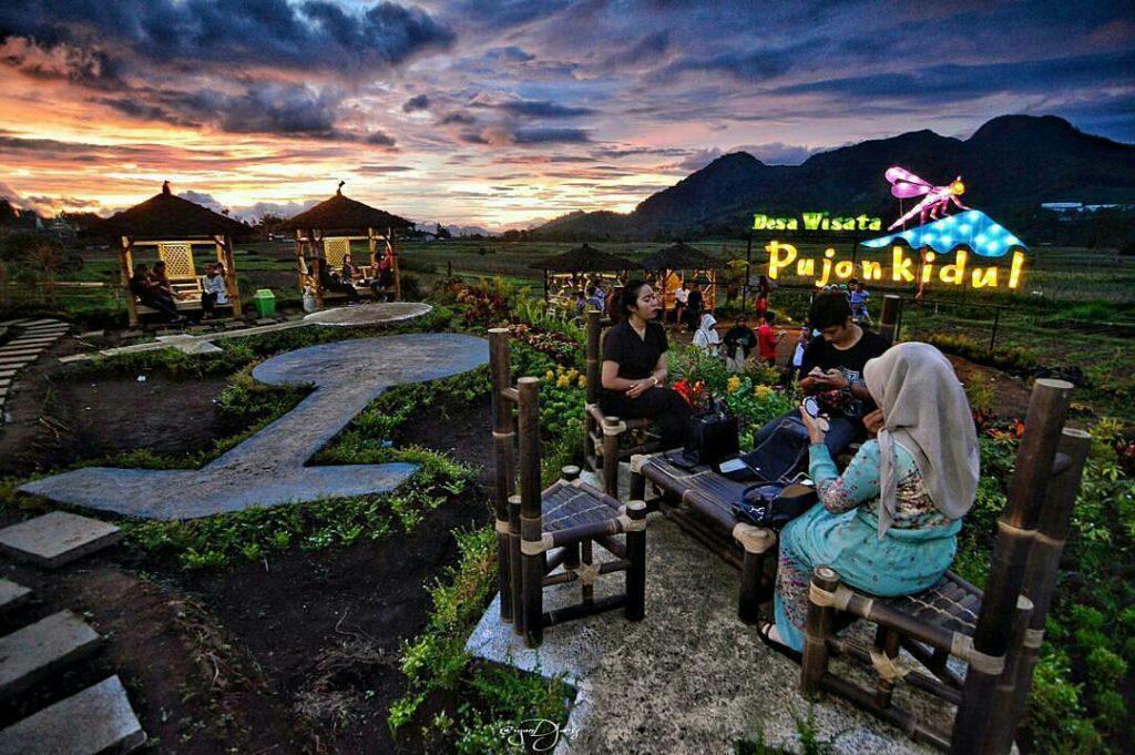 Bersantai Cafe Sawah Pujon Kidul Malang Cakap Asyik Banget Buat