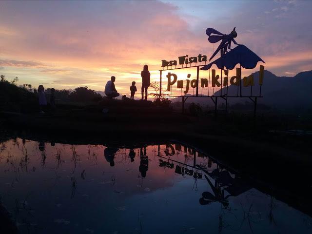 Desa Pujon Kidul Wisata Keindahan Alam Menyegarkan Sunrise Malang Cafe