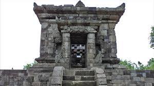 Mengunjungi Candi Badut Sarat Sejarah Panduan Wisata Surabaya Kab Malang