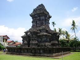 Mengunjungi Candi Badut Sarat Sejarah Panduan Wisata Surabaya Singosari1 Kab