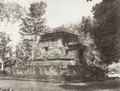 Sistem Registrasi Nasional Cagar Budaya Keseluruhan Candi Badut Sekitar 1941