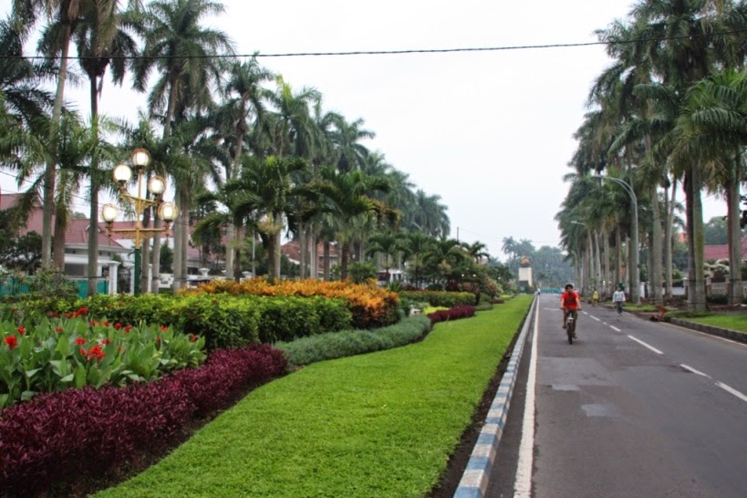 9 Lokasi Taman Wajib Dikunjungi Kota Malang Idjen Boulevard Kab