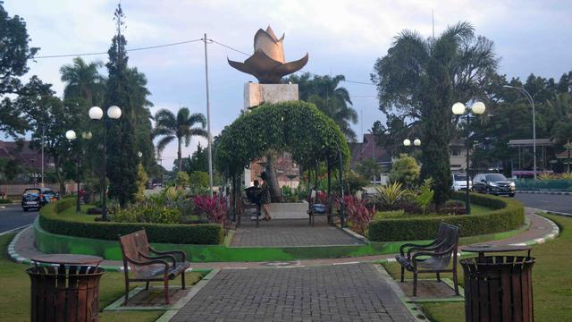 Mengembalikan Sisi Romantis Kawasan Ijen Boulevard Malang Regional Idjen Kab