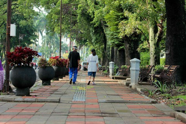 Wow Cantiknya Pedestrian Ijen Boulevard Reportase Malang 44 1 Minute