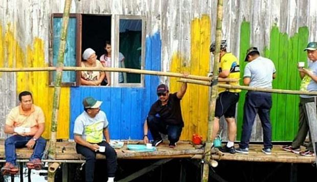 Kampung Warna Warni Balikpapan Mulai Memikat Pelancong Travel Tempo Pengecatan