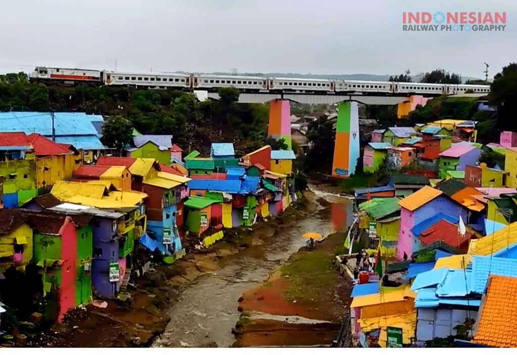 Kampung Warna Warni Jodipan Galeri Foto Kereta Api Indonesia Iya