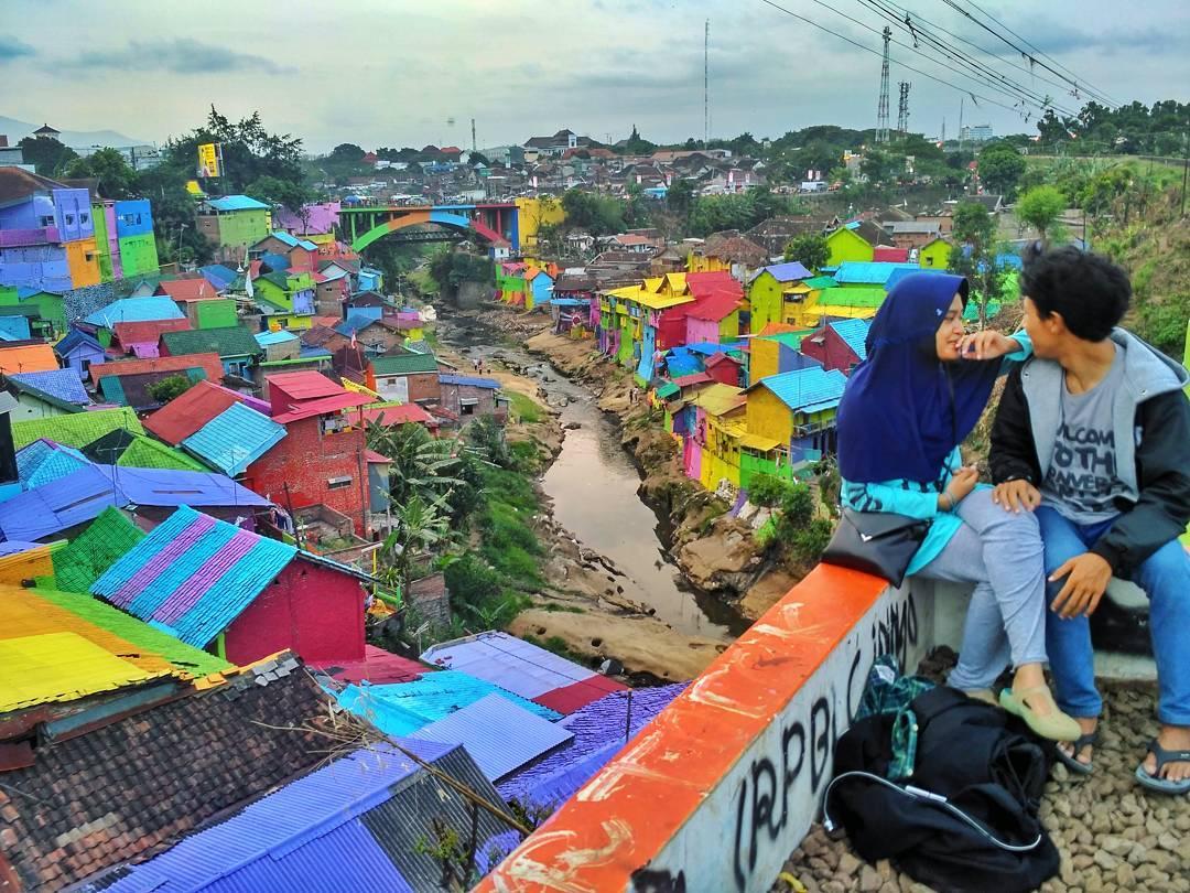 Kampung Warna Warni Kota Malang Menjadi Destinasi Wisata Favorit Kalangan
