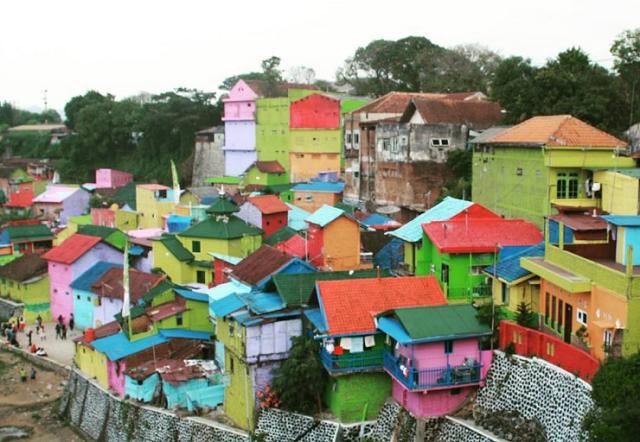 Keindahan Wisata Kampung Warna Warni Jodipan Kab Malang