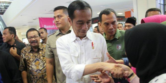 Nonton Yowis Ben Jokowi Bikin Heboh Malang Town Square Merdeka