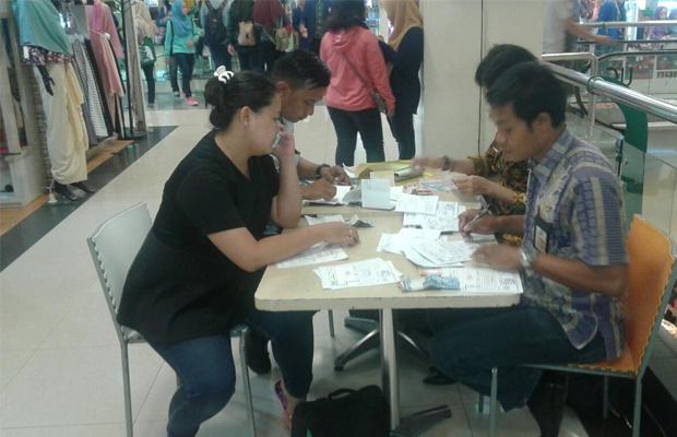 Peristiwa Bp2d Buka Stand Pelayanan Membayar Pajak Daerah Mall Petugas